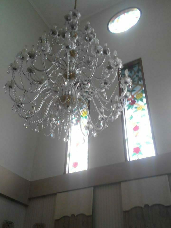 cuci-lampu-kristal-ibu-dewi-10