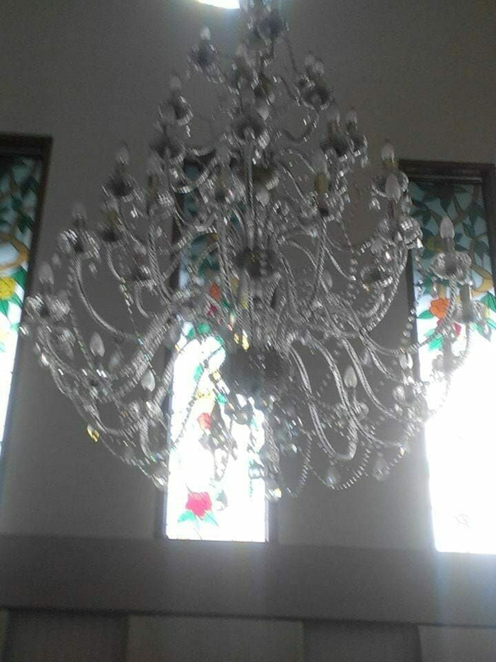 cuci-lampu-kristal-ibu-dewi-11