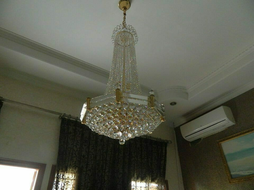 cuci-lampu-kristal-ibu-nadya-14