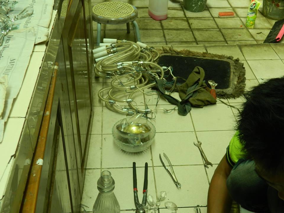 cuci lampu kristal ibu novi-05