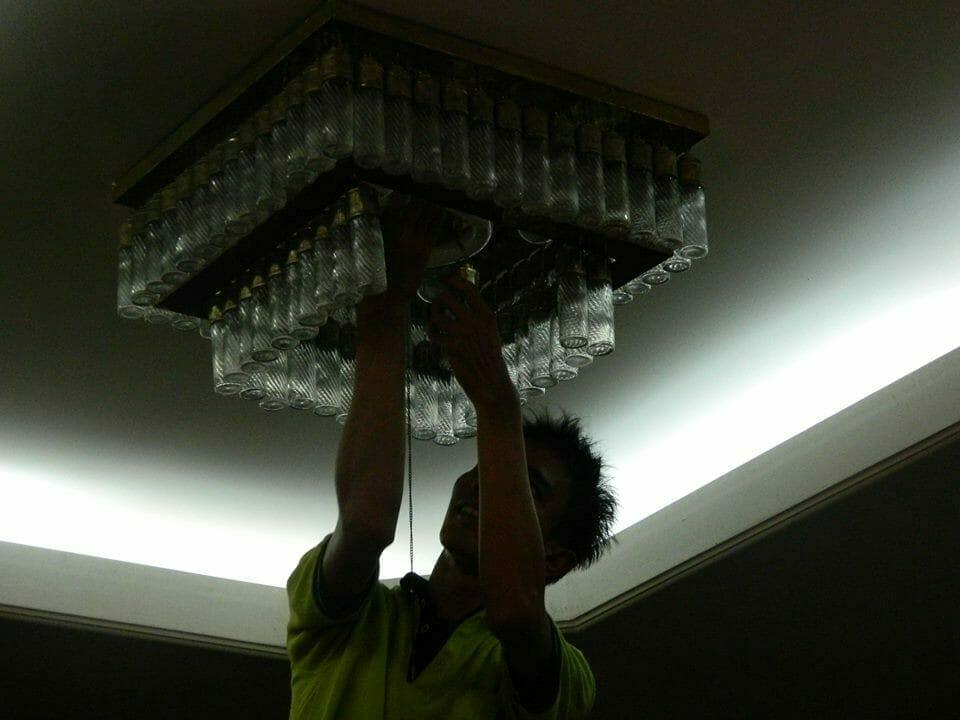 cuci lampu kristal ibu novi-14