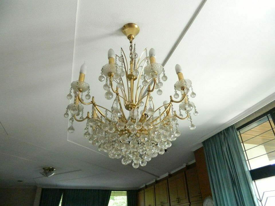 cuci lampu kristal ibu novi-16