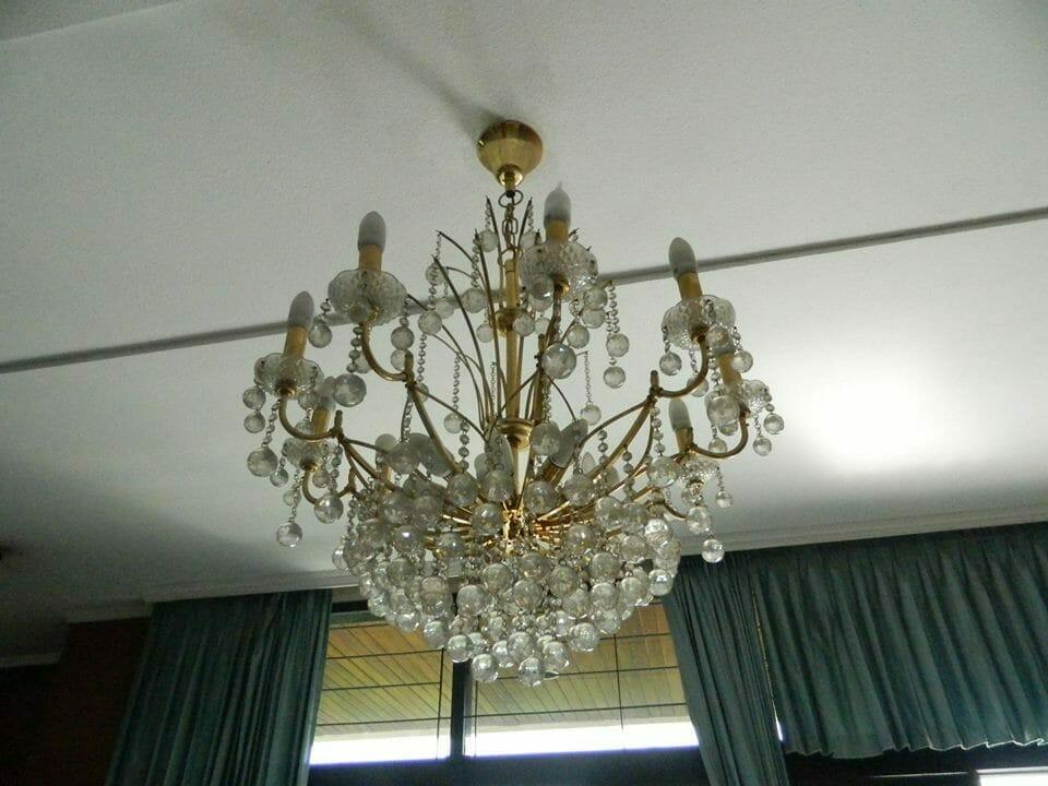 cuci lampu kristal ibu novi-17