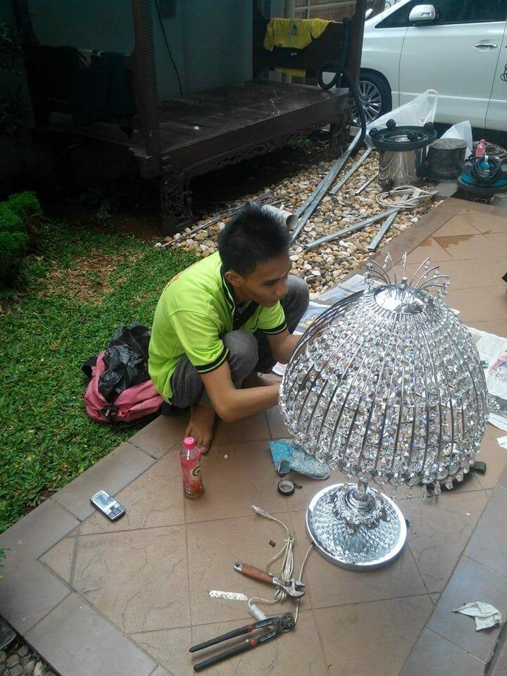 cuci lampu kristal ibu santi-04