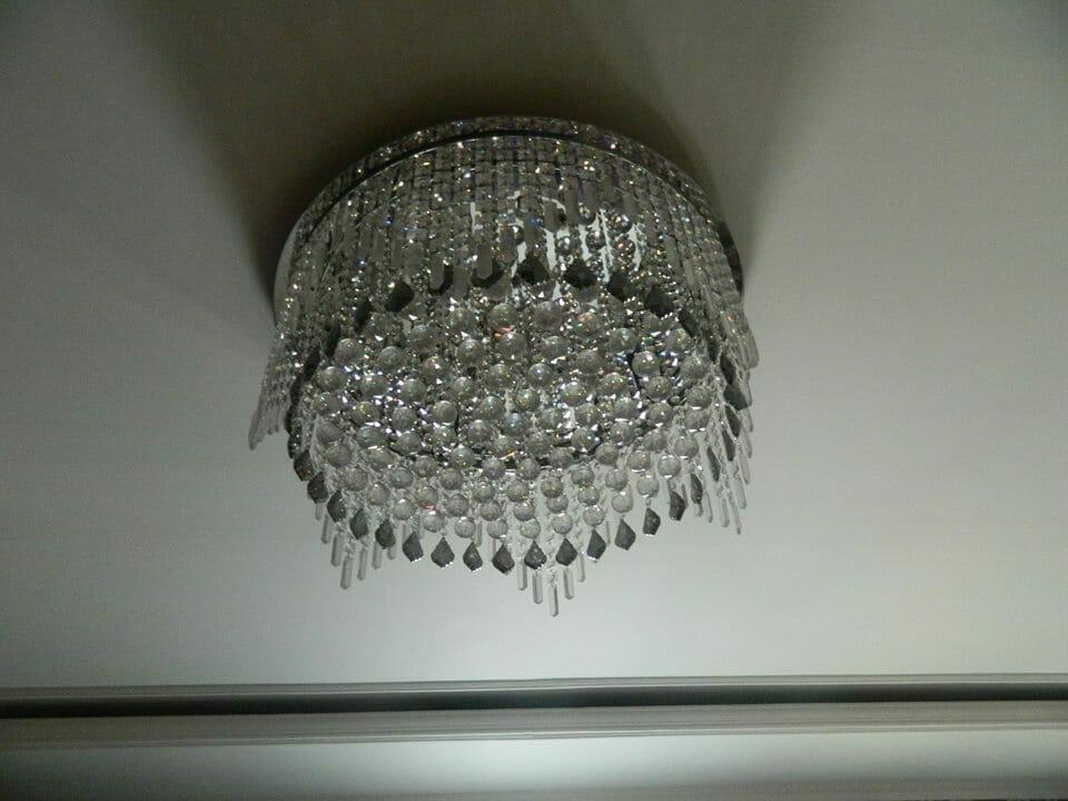 cuci-lampu-kristal-ibu-toti-03