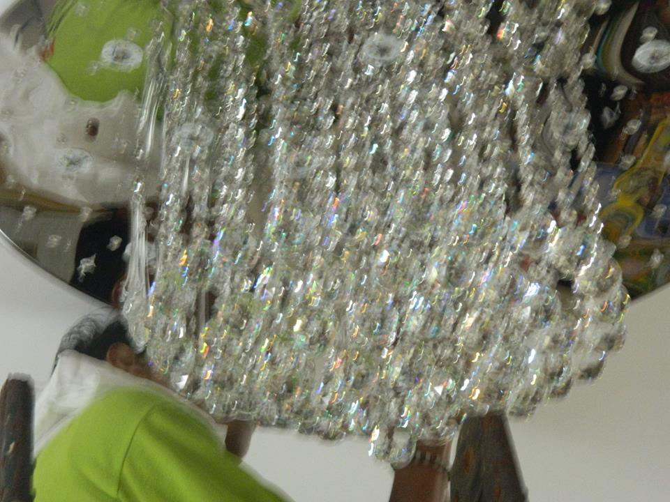 cuci-lampu-kristal-ibu-toti-07