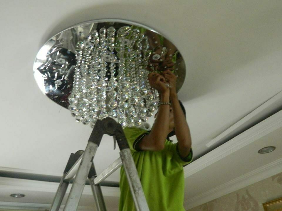 cuci-lampu-kristal-ibu-toti-09