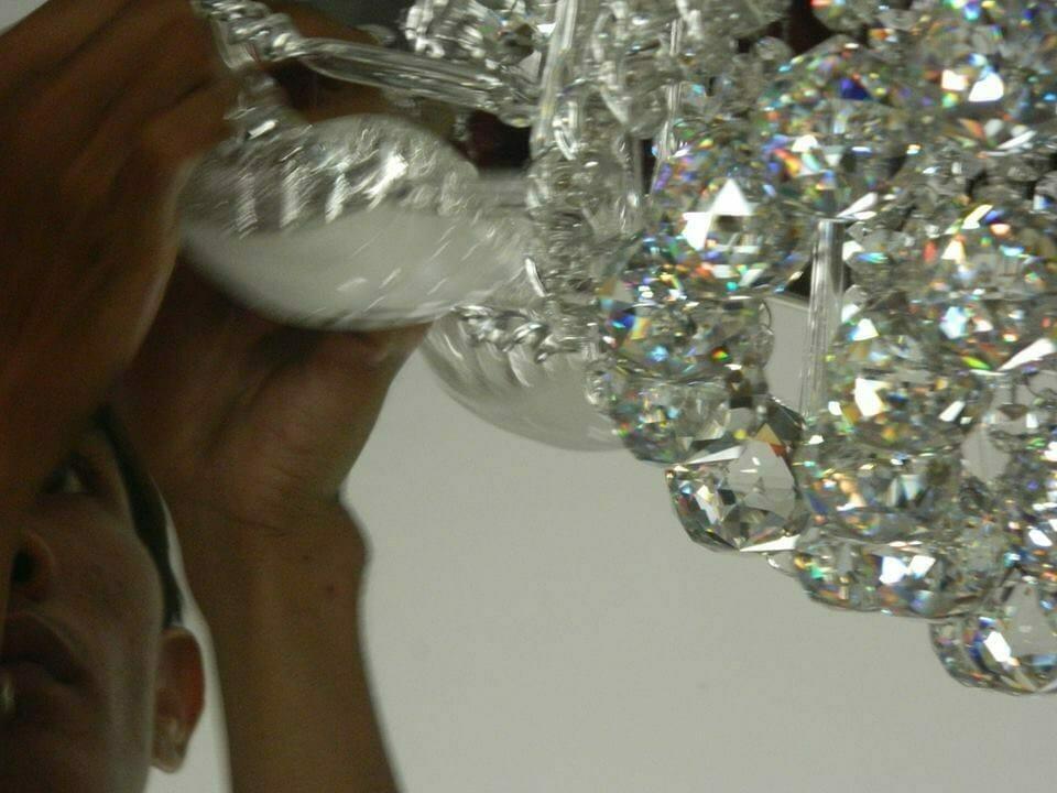 cuci-lampu-kristal-ibu-toti-11