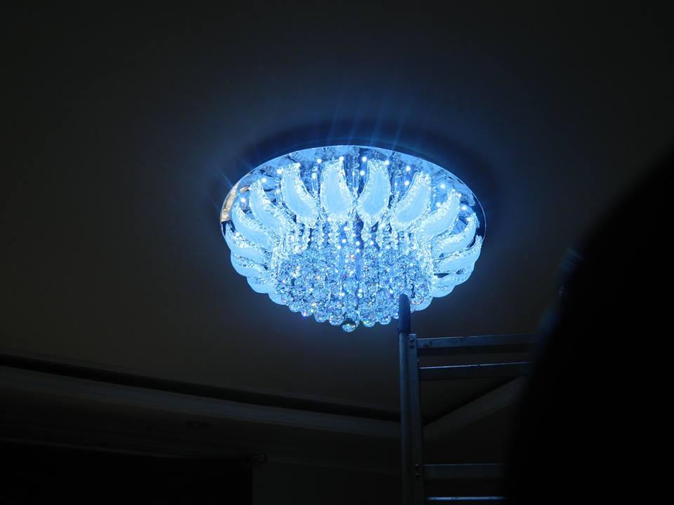 cuci-lampu-kristal-ibu-toti-13