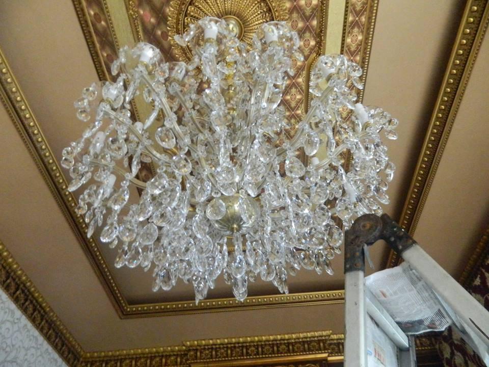 cuci-lampu-kristal-ibu-toti-14