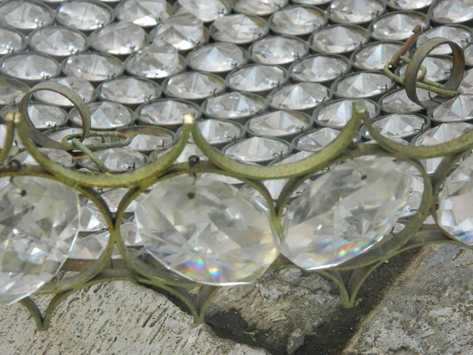 cuci-lampu-kristal-service-lampu-kristal-ibu-rika-02