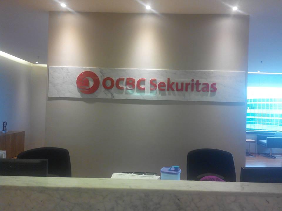 Cuci karpet kantor OCBC Sekuritas | Jasa Cuci Karpet Kantor