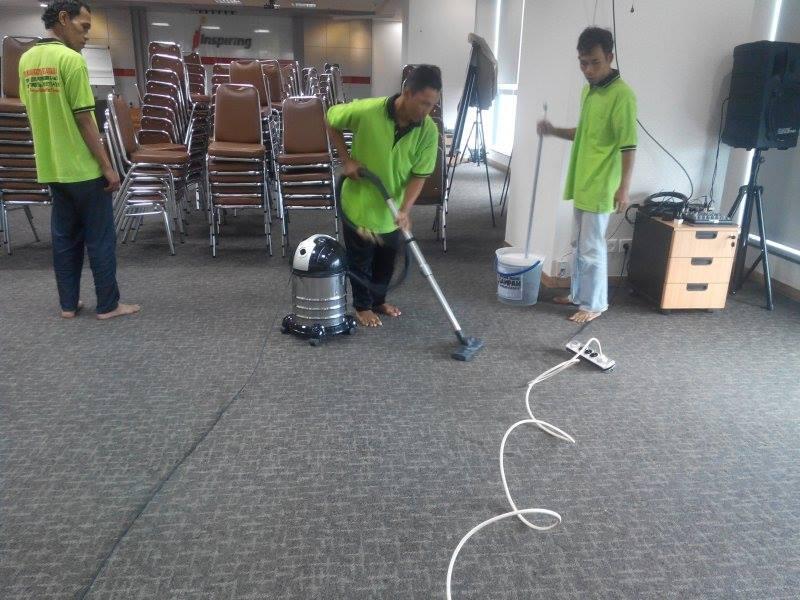 cuci-karpet-kantor-pt-inspiring-21