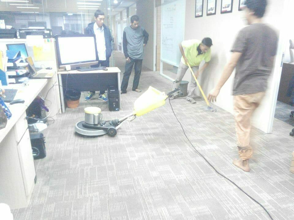 cuci-karpet-kantor-pt-pertamina-tahap-1-06
