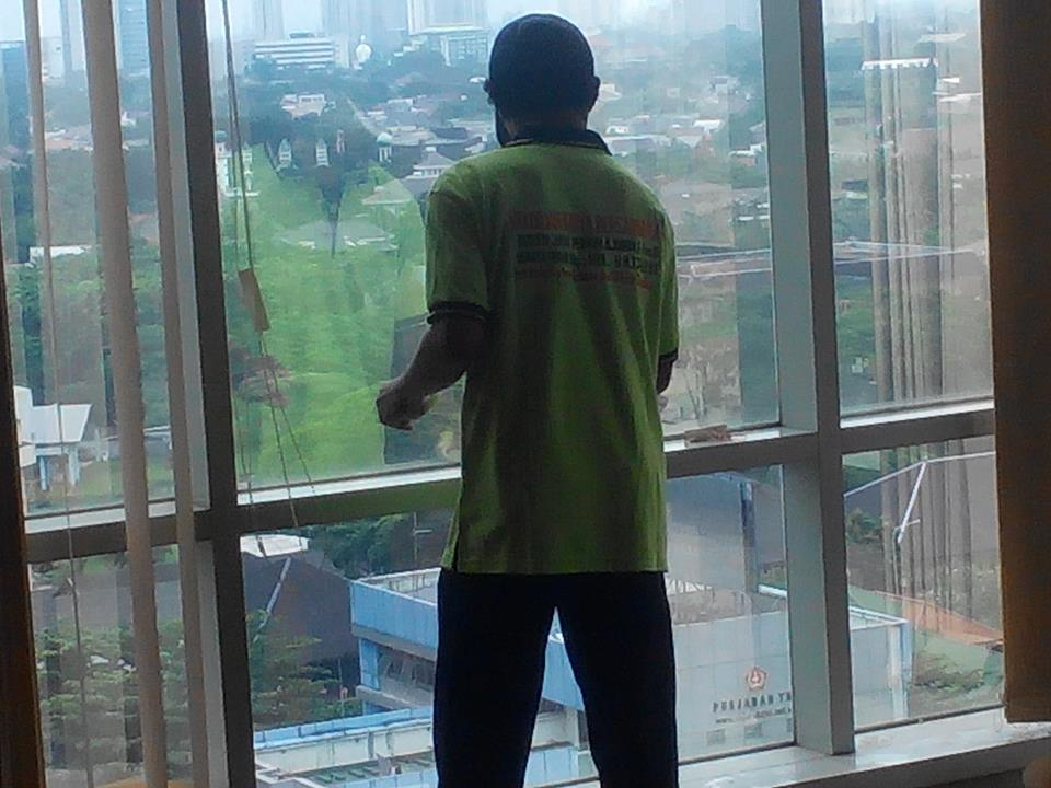 general-cleaning-pt-sekawan-intipratama-tbk-10