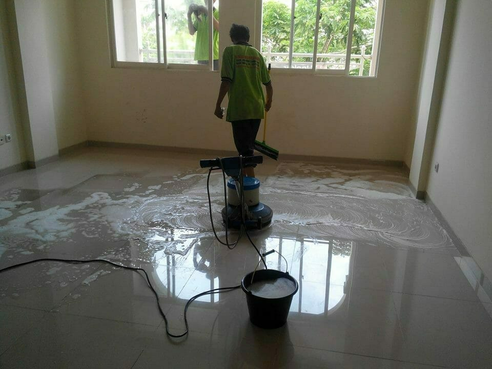 general-cleaning-ruko-grand-galaxy-32