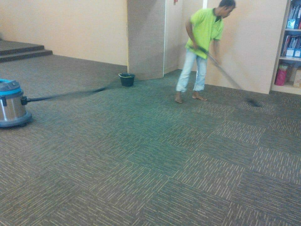 cuci-karpet-kantor-dwp-dirjen-bina-marga-05