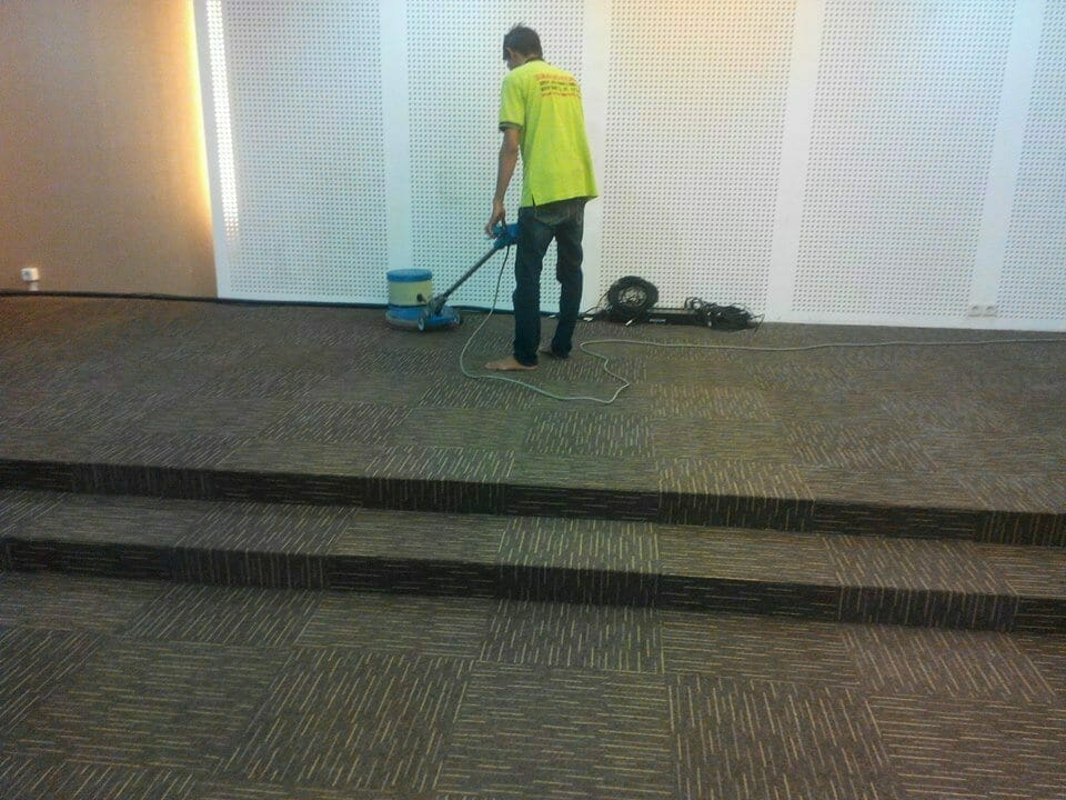 cuci-karpet-kantor-dwp-dirjen-bina-marga-06