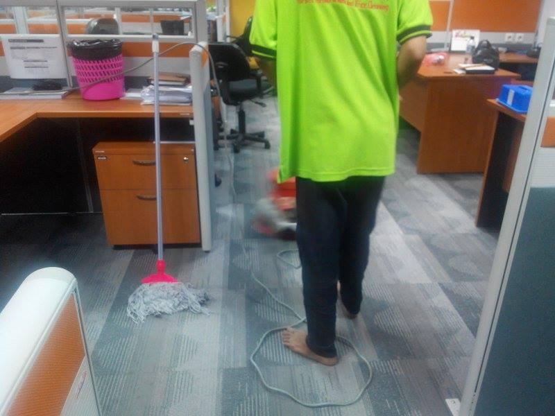 cuci-karpet-kantor-pt-spire-indonesia-03
