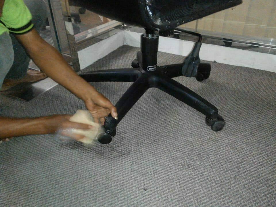 cuci-kursi-kantor-indolife-pensiontama-06