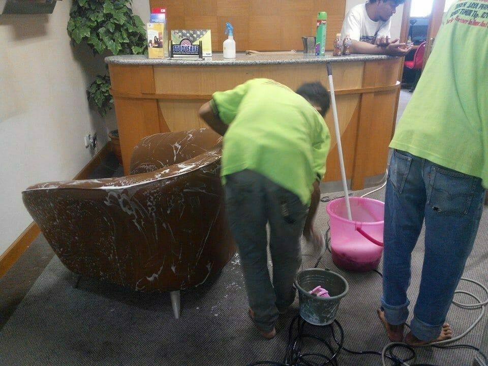 cuci-kursi-kantor-indolife-pensiontama-08