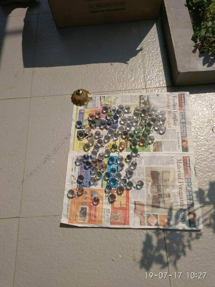 cuci-lampu-kristal-ibu-annie-03