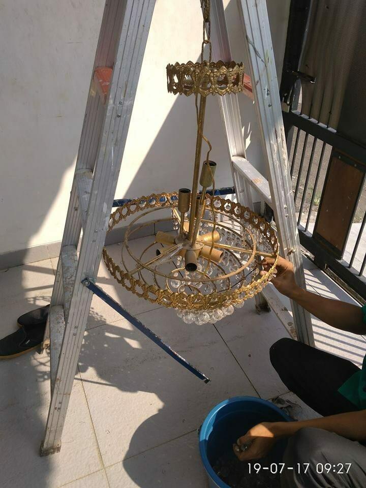 cuci-lampu-kristal-ibu-annie-08