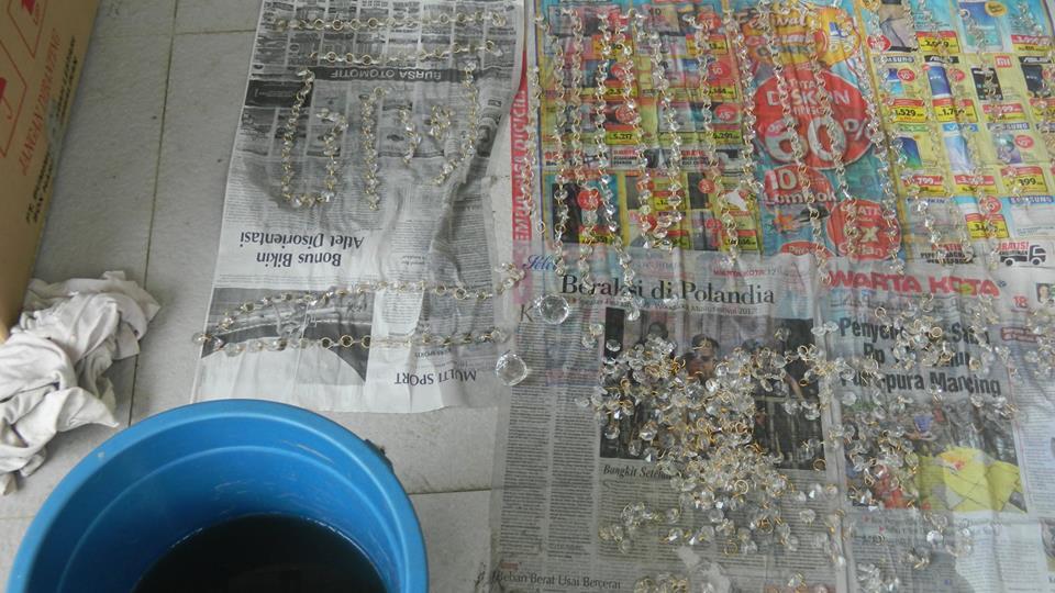 cuci-lampu-kristal-ibu-annie-27