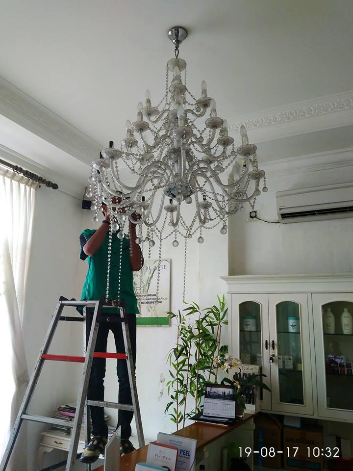 cuci-lampu-kristal-alexa-grace-salon-06