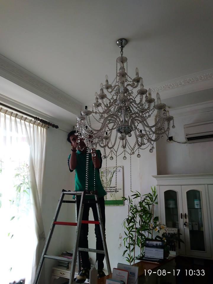 cuci-lampu-kristal-alexa-grace-salon-08
