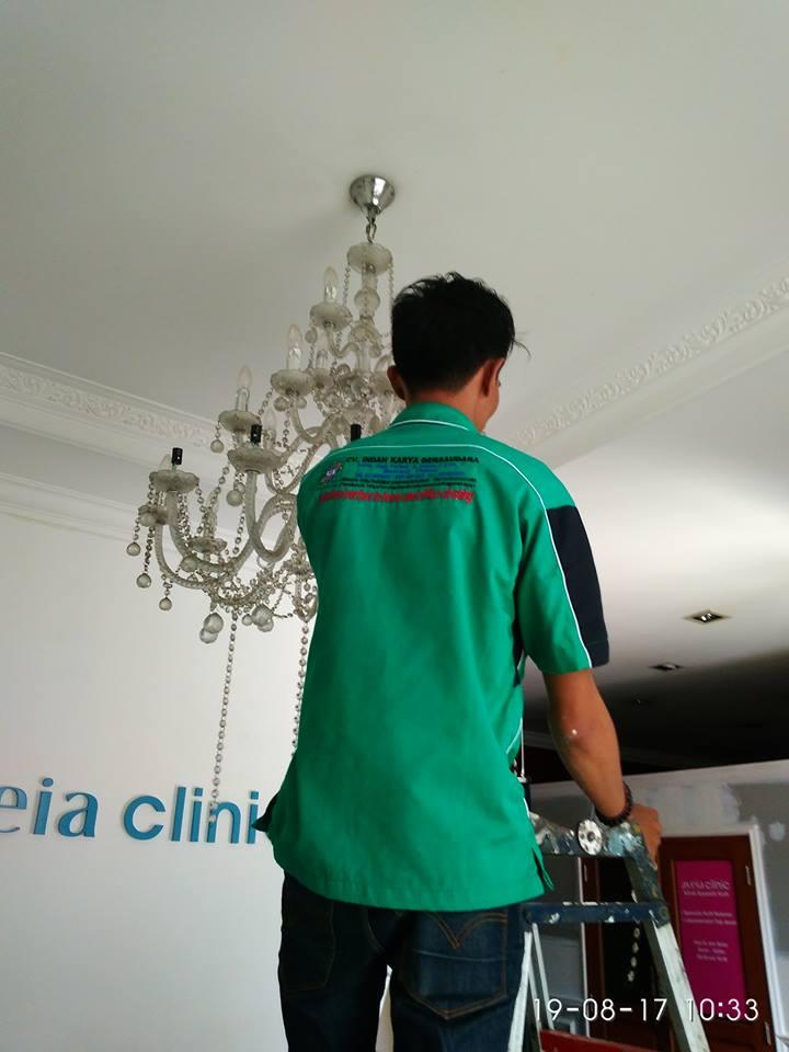 cuci-lampu-kristal-alexa-grace-salon-18