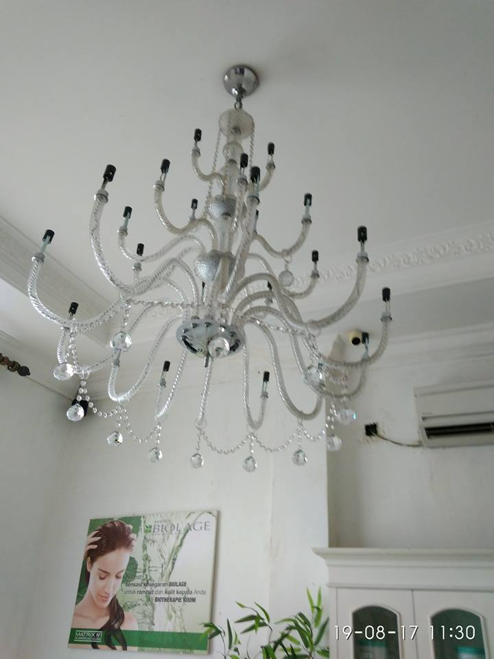 cuci-lampu-kristal-alexa-grace-salon-21
