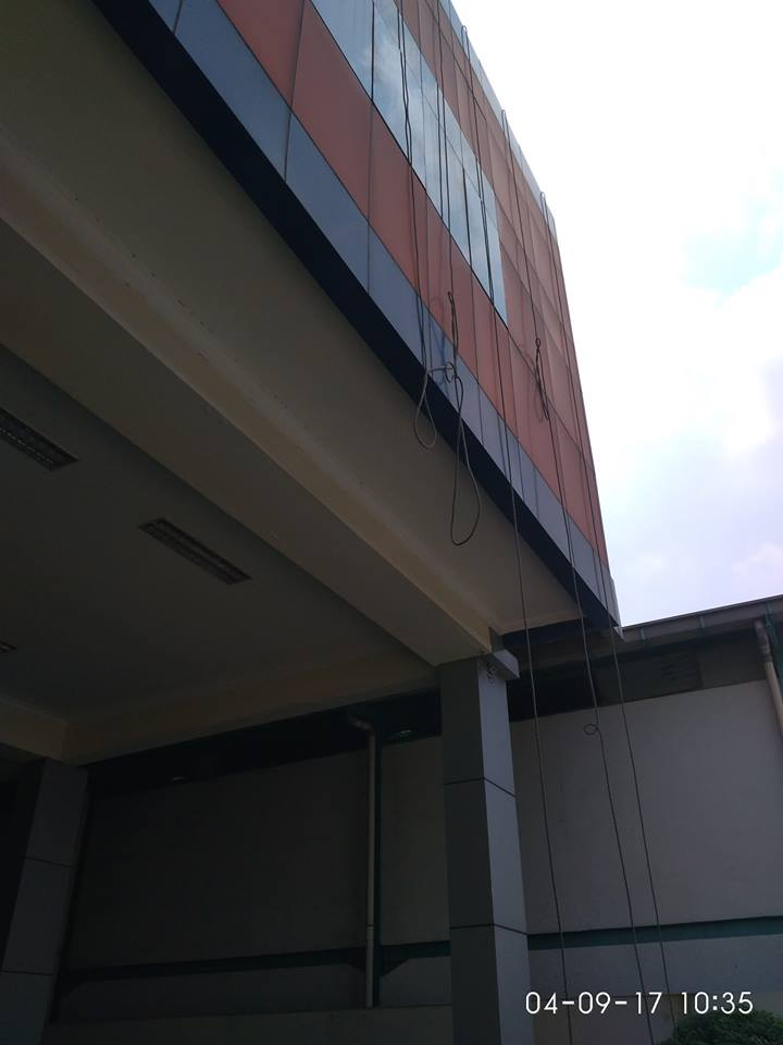 cuci-alucobond-gedung-dan-kaca-gedung-grakindo-04