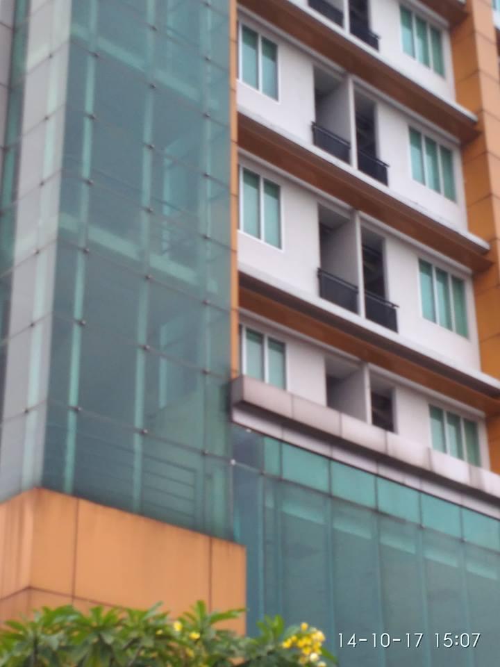 cuci-kaca-gedung-adhyaksa-loka-02-009