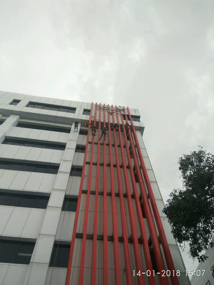 cuci-acp-kaca-gedung-telkom-jakarta-selatan-05