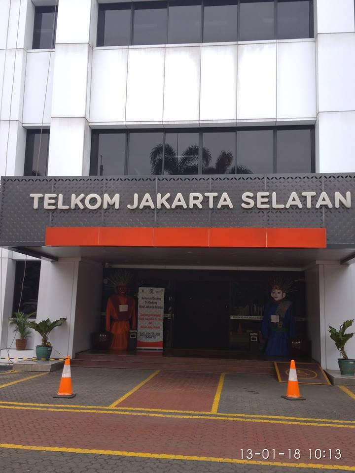 Cuci Kaca Gedung ACP Gedung Telkom Jakarta Selatan
