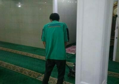 cuci-karpet-masjid-nurul-amal-05