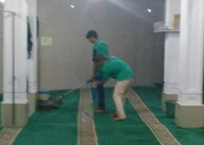cuci-karpet-masjid-nurul-amal-06