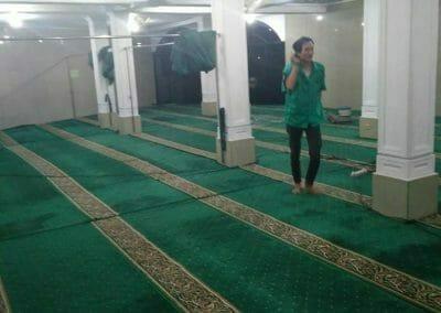 cuci-karpet-masjid-nurul-amal-12