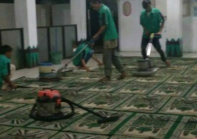 cuci-karpet-masjid-nurul-amal-15