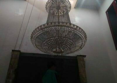 cuci-lampu-kristal-engkoh-arifin-04