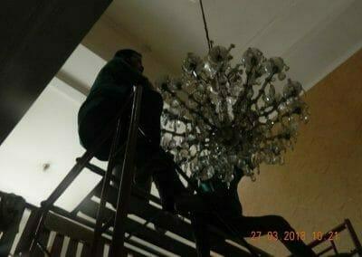 cuci-lampu-kristal-ibu-ayu-09