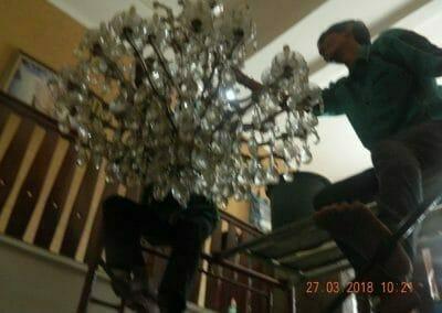 cuci-lampu-kristal-ibu-ayu-10
