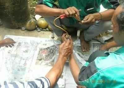cuci-lampu-kristal-ibu-ayu-17