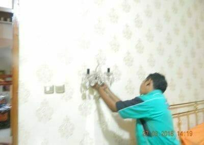 cuci-lampu-kristal-ibu-ayu-37