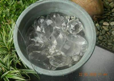 cuci-lampu-kristal-ibu-m-i-10