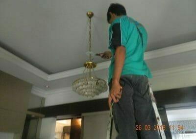cuci-lampu-kristal-ibu-ning-04