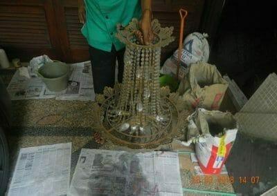 cuci-lampu-kristal-ibu-ning-10