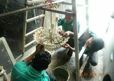 cuci-lampu-kristal-ibu-ning-12