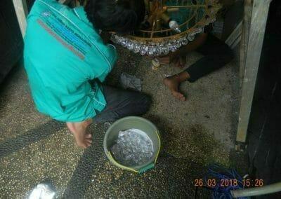 cuci-lampu-kristal-ibu-ning-18